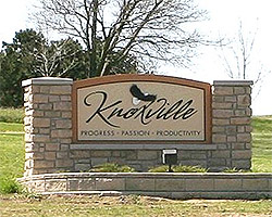 Knoxville Iowa Sign